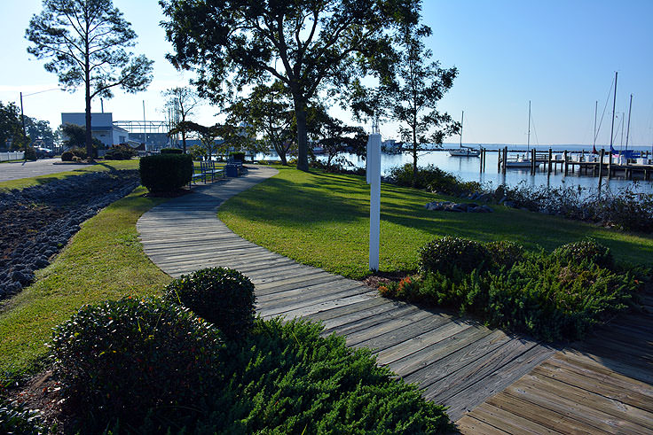 A walkway near Oriental Harbor Marina